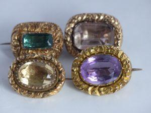 victoriaanse en georgiaanse gouden broches met edelstenen
