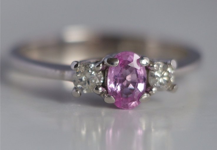 ring roze saffier